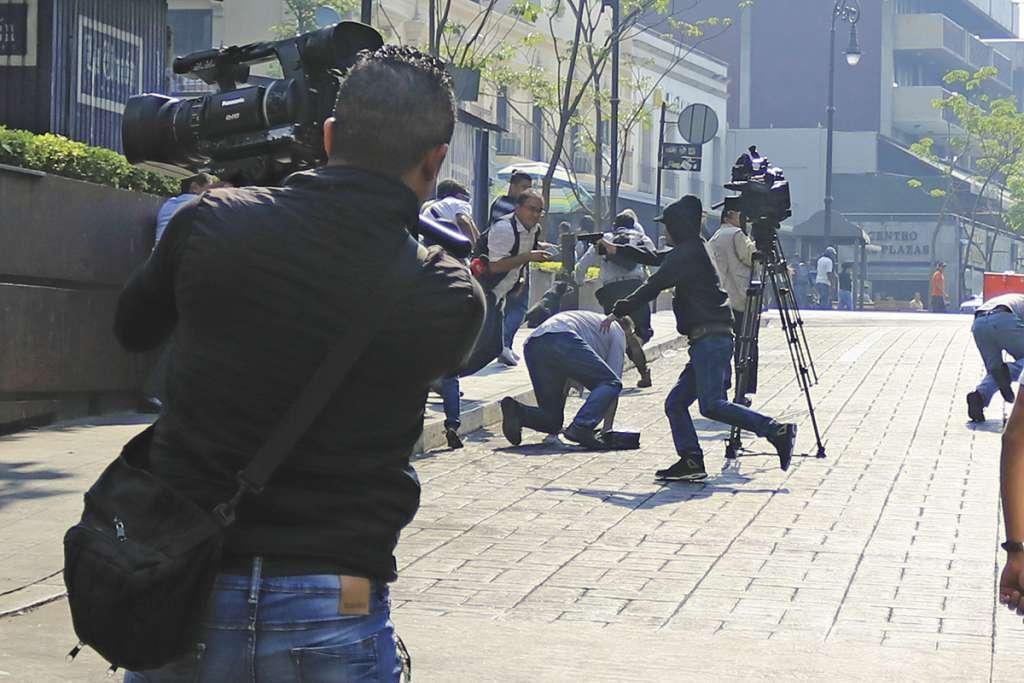La gente trató de ponerse a salvo cuando empezaron los balazos. FOTO:CUARTOSCURO