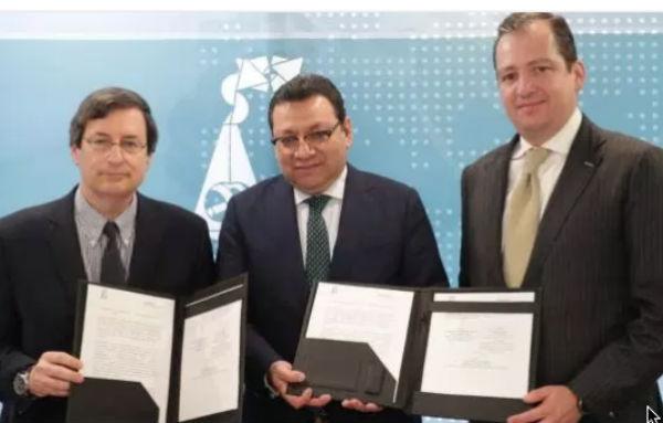 El magistrado presidente del TEPJF, Felipe Fuentes Barrera, destacó la importancia de trabajar con el Centro Zicklin . FOTO: ESPECIAL