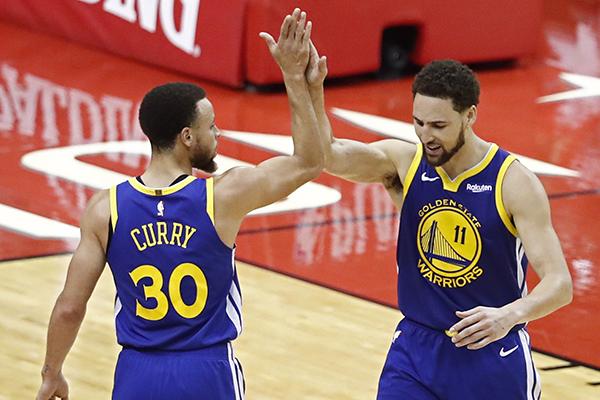 Los Warriors de Golden State que se impusieron a domicilio por 113-118 a los Rockets de Houston. FOTO: EFE
