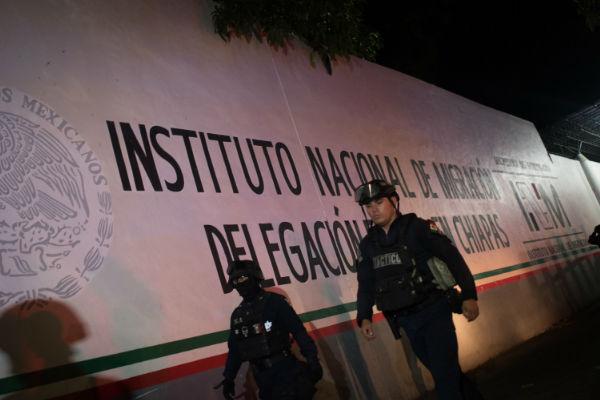 Se fugan 25 cubanos de la Estación Migratoria Siglo XXI en Chiapas