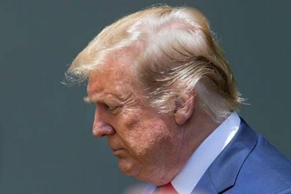 Donald Trump aprobó el viernes aumentar del 10% al 25% los aranceles que se aplican sobre productos chinos