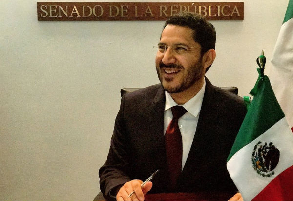 Batres Guadarrama aseguró que el proceso de transformación que vive el país implica mucha dedicación por gran cantidad de reformas legales. Foto: Especial