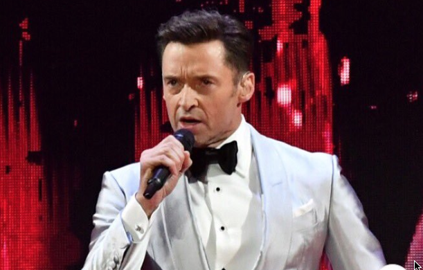 Hugh Jackman cantando en vivo