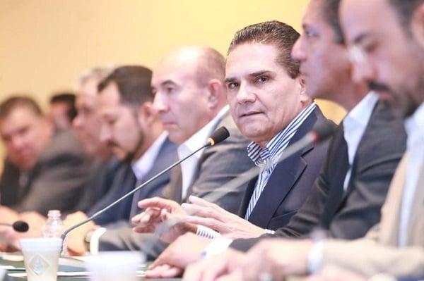 El mandatario estimó que cada año el Gobierno de Michoacán destina cerca de 12 mil millones de pesos para pago de nómina, bonos y prestaciones del magisterio. Foto: Especial