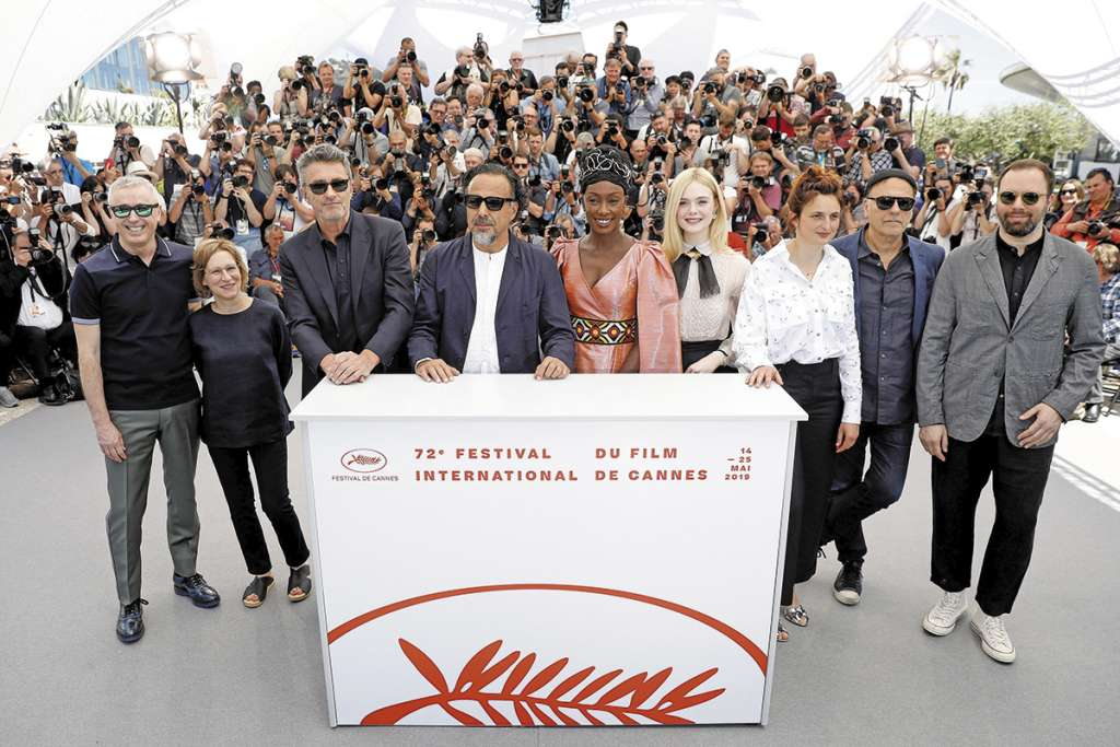 Los miembros del jurado posaron en la tradicional foto de comienzo del Festival.FOTO:ESPECIAL