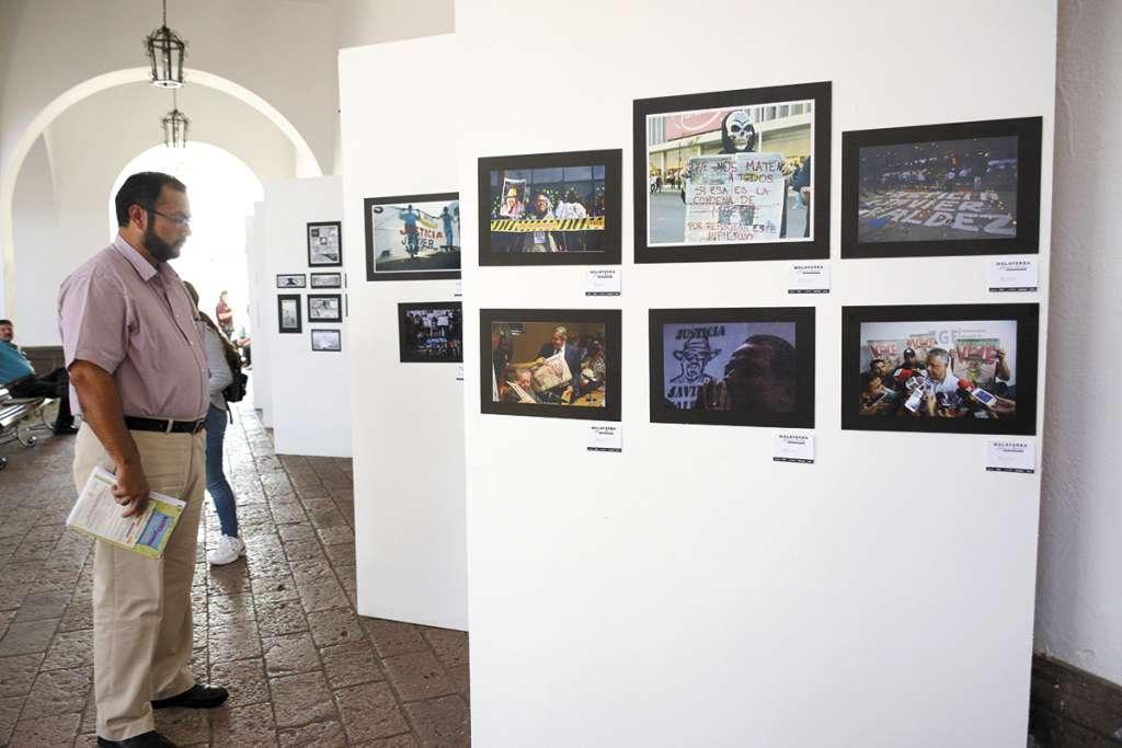 Peatones pueden admirar esta semana una exposición en honor a Valdez.FOTO: ESPECIAL