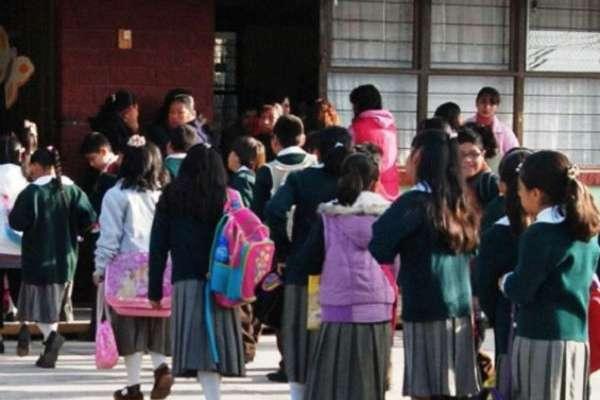 las autoridades educativas exhortan a la comunidad estudiantil, padres de familia y docentes, a permanecer atentos a las disposiciones. FOTO: ESPECIAL
