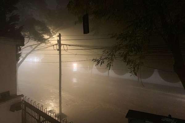 Las redes sociales celebraron que lloviera en la Ciudad de México.. Foto: Especial