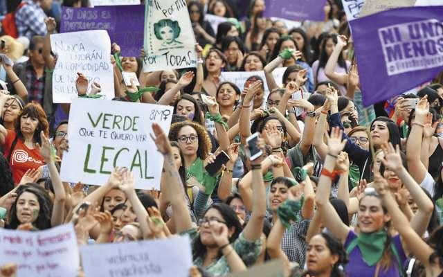 Mujeres se han manifestado por su derecho a la salud.FOTO: PABLO SALAZAR SOLÍS