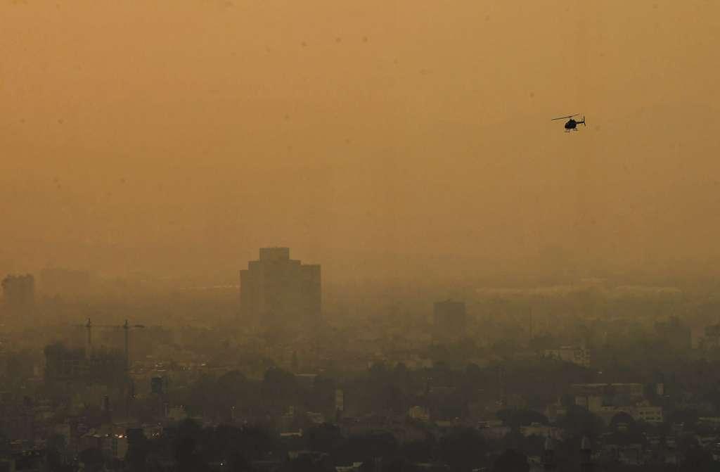 La bruma tóxica cumple seis días en la capital del país.FOTO: ESPECIAL