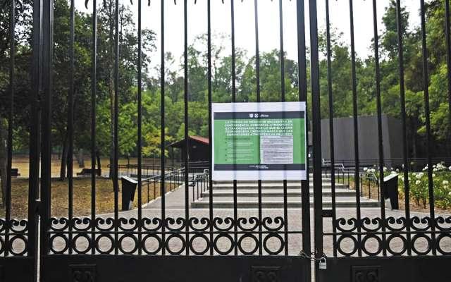 Parques populares como el de La Hormiga, no abrieron al público.FOTO: DANIEL OJEDA