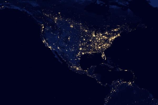 De acuerdo con el Instituto de Astronomía de la UNAM, la contaminación lumínica es el uso ineficiente, innecesario y extremo de las fuentes de luz artificiales. Foto: NASA