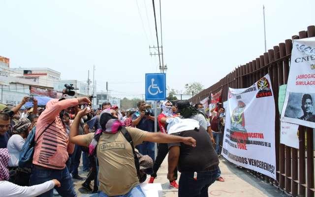 Protesta de maestros de la CETEG
