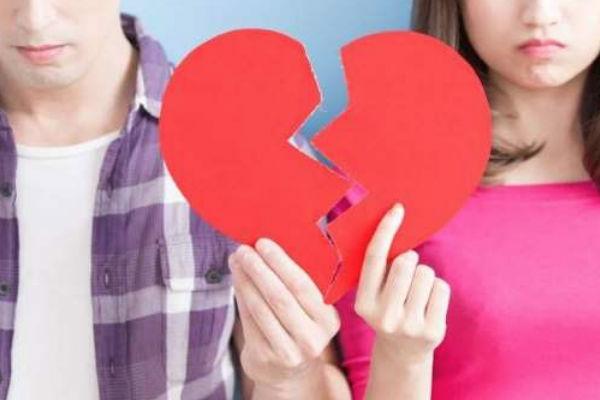 Con la llegada de las redes sociales mantener un noviazgo puede ser una situación difícil