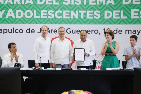 El gobernador enfatizó que se tiene que fortalecer el trabajo en favor de los niños, niñas y adolescentes