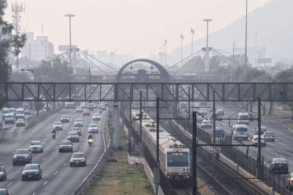 La Comisión explicó que la población ha estado expuesta a la mala calidad del aire por un periodo que se ha alargado, por lo que continúan las medidas para proteger su salud. FOTO: ESPECIAL