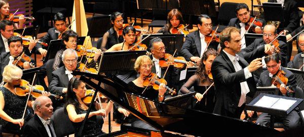 """Dvořák es de altísima calidad porque tocar sus notas se necesitan de 10 a 15 años de preparación"""", subraya Alejandro Reyes, maestro del Conservatorio Nacional de Música. Foto: Especial"""