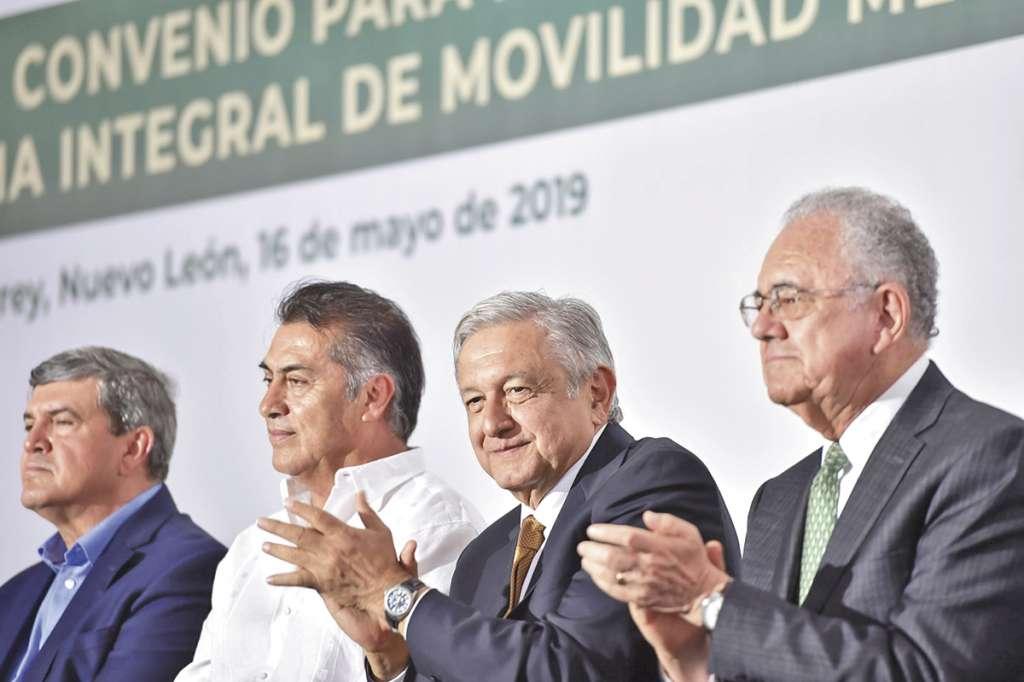 En reunión con empresarios, el Presidente les pidió apoyo para proyectos de gobierno. Foto: Especial