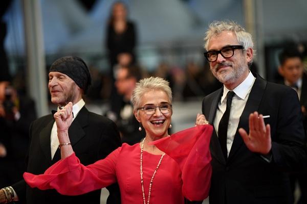 CLÁSICOS. Leon Vitali, Katharina Kubrick y Alfonso Cuarón durante la presentación ayer. Foto: AFP