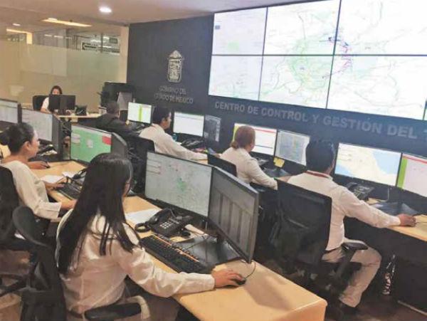 Desde el Centro de Monitoreo en Tlalnepantla, buscan detectar delitos. Foto: ESPECIAL