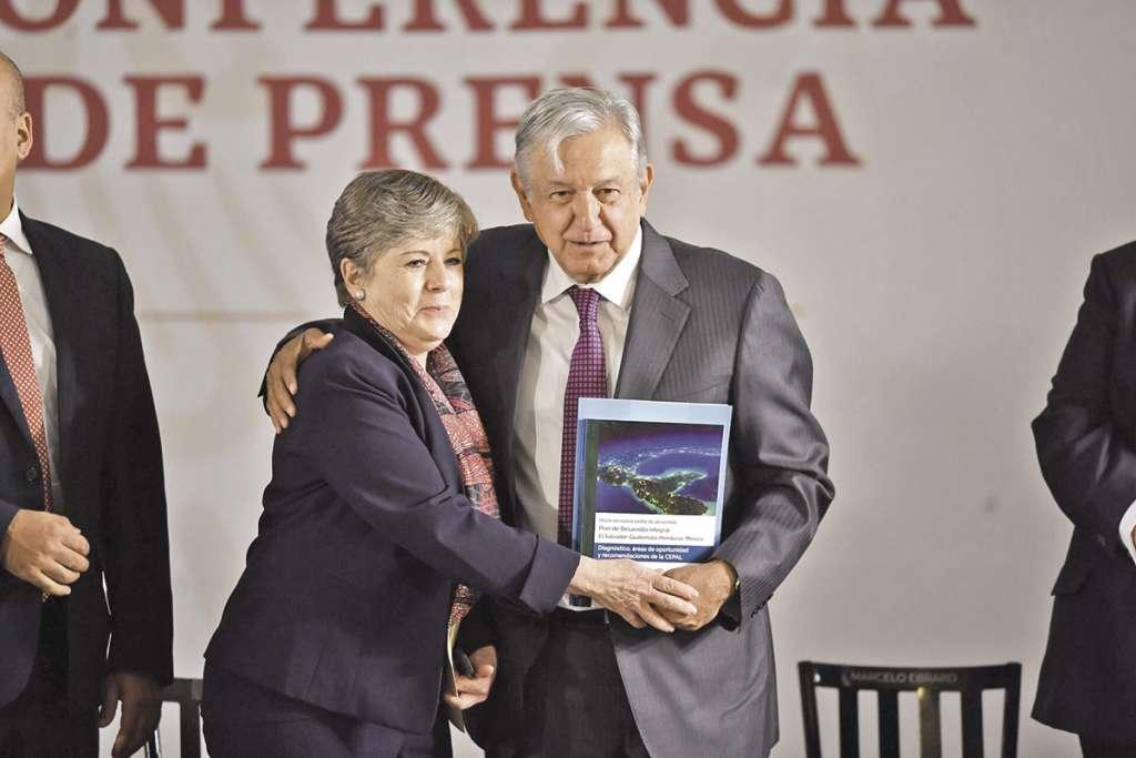 López Obrador y Alicia Bárcena, durante la conferencia matutina. FOTO: PABLO SALAZAR