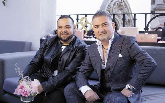 APASIONADOS DE LA MODA. Benito Santos y Jaime Ibiza. Foto: Yaz Rivera