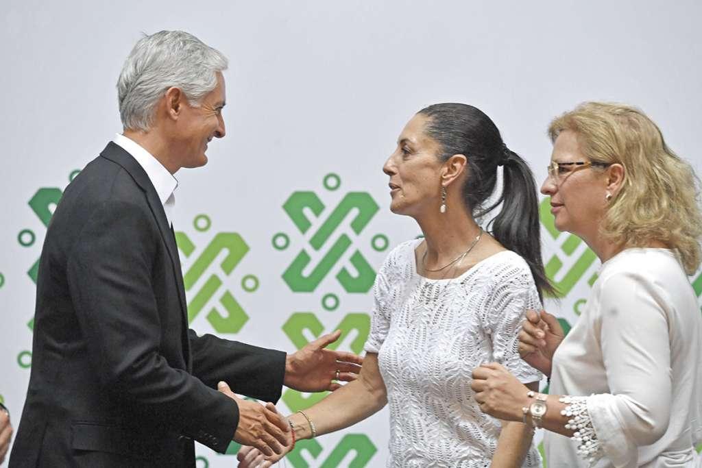 El gobernador Alfredo Del Mazo y Claudia Sheinbaum ayer en el anuncio.. FOTO: ESPECIAL