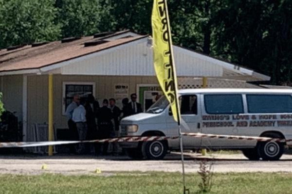 Bebé de 5 meses muere asfixiada dentro de camioneta de una guardería