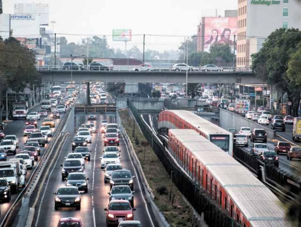 El parque vehicular en la zona Metropolitana es de alrededor de 5 millones de automotores. Foto: Heraldo de México