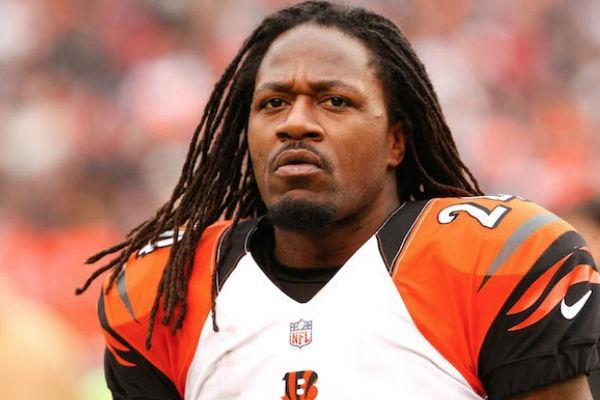 """El esquinero Adam """"Pacman"""" Jones anunció su retiro de los emparrillados, después de 12 temporadas en la NFL"""
