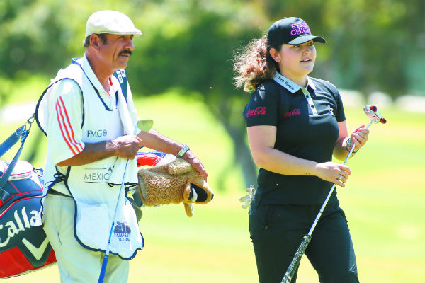 Paola Pavón fue la primera mujer en jugar un torneo varonil en México. Foto: Eduardo Sánchez