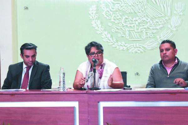 Raquel Buenrostro, Oficial Mayor de la SHCP, dio una conferencia de prensa ayer por la tarde. Foto: Daniel Ojeda