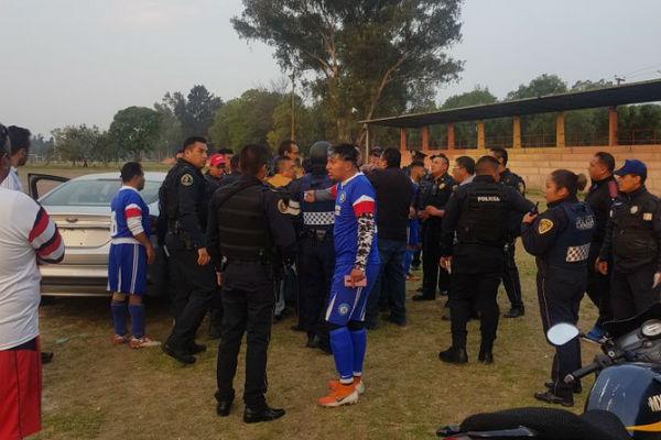 Esta mañana mientras se llevaba a cabo un partido de fútbol en las instalaciones del deportivo Zarco, un policía disparó en contra de uno de los jugadores