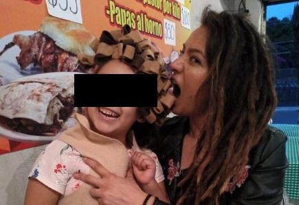 Los internautas no se han podido resistir al carisma de la menor, identificada como Pía, originaria de Puebla. Foto: Especial