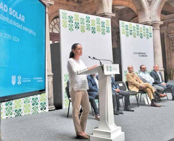 Claudia Sheinbaum dijo que Ciudad Solar podría ayudar a disminuir la contaminación. Foto: Víctor Gahbler