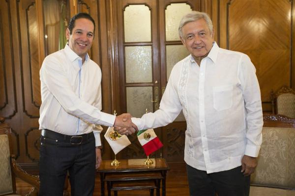 Lopéz Obrador sostiene reunión con gobernador de Querétaro