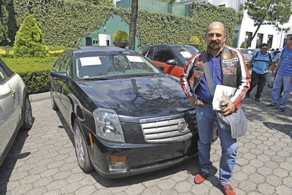 El empresario felicitó al gobierno por realizar este tipo de venta de bienes en un lugar tan emblemático de la política. FOTO: LESLIE PÉREZ