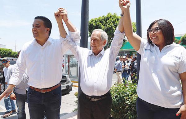 El senador del Partido Acción Nacional, manifestó que espera que lo mejor para Puebla. FOTO: ESPECIAL