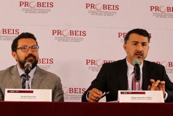 Edgar González y Sergio Guzmán presentaron éste miércoles las diez estrategias a ejecutar durante este sexenio para estimular la práctica del beisbol.FOTO: ESPECIAL