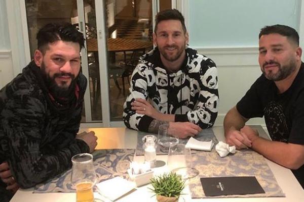 Lionel-Messi-sudadera-pandas-Dolche-Gabbana
