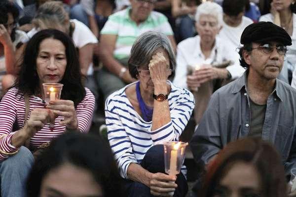 Cientos de venezolanos participaron, el 5 de mayo, en una vigilia en contra de la violencia del gobierno de Maduro. Foto: REUTERS