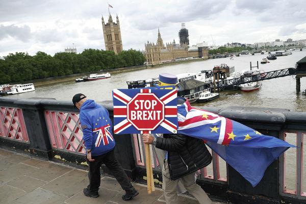 Miles de personas reclaman que Reino Unido no salga de la Unión Europea. Foto: REUTERS
