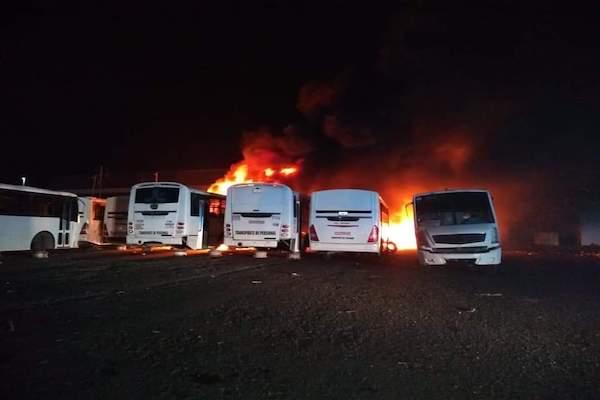 Incendio-camiones-El-Marques-Queretaro