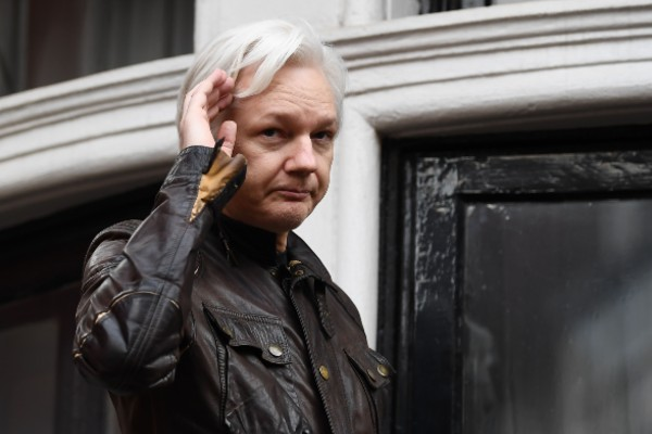 Julian Assange presenta trauma psicológico
