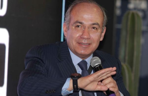 Felipe Calderón conferencia