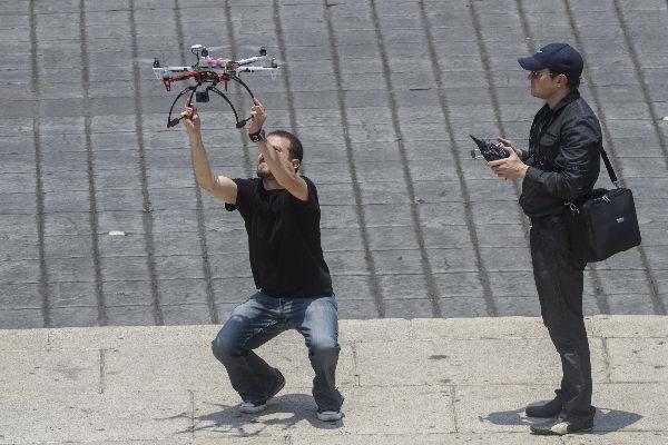 El dron será empleado por la Sedena y Semar en el combate al robo de combustibles. Foto: Cuartoscuro