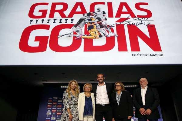 Aunque no lo mencionó, se especula que Godín militaría en el Inter de Milán. Foto: @atletienglish