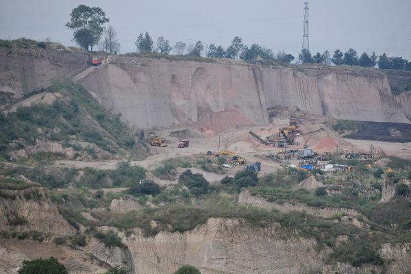 La empresa minera Copromin reportó el derrumbe durante los primeros minutos de este lunes. Foto: Cuartoscuro