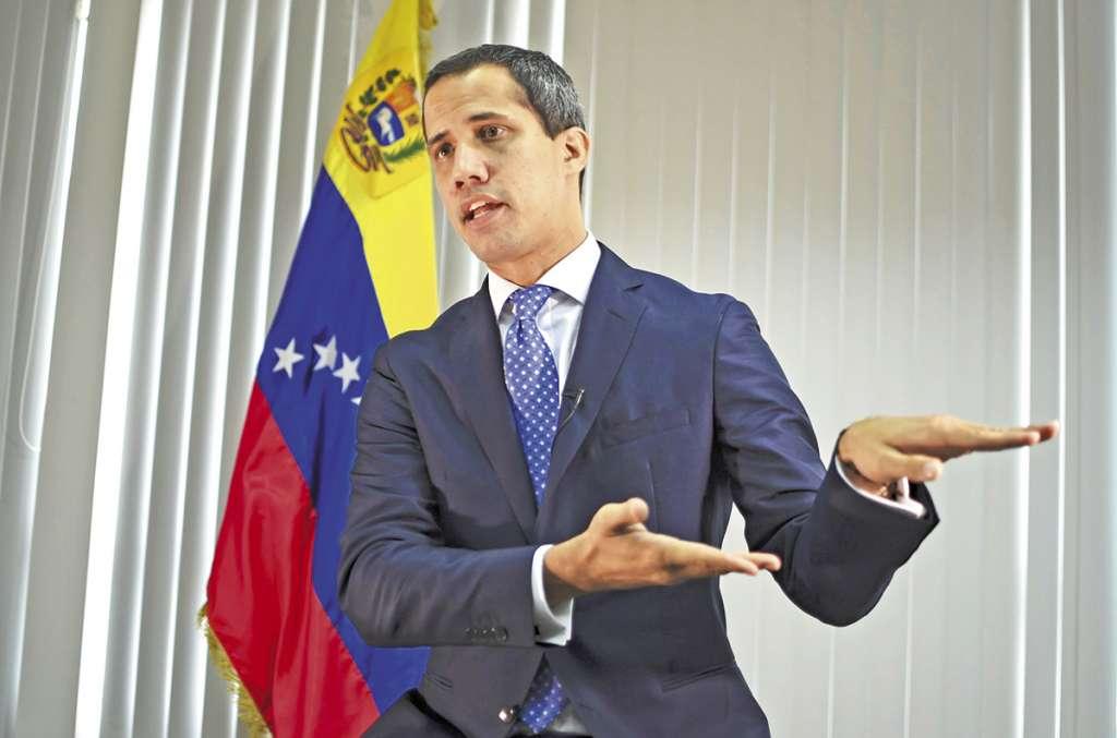 El presidente encargado, Juan Guaidó, ofreció una entrevista.FOTO:AFP