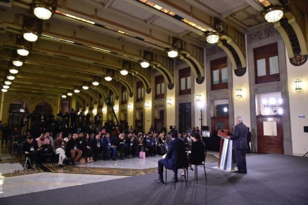 López Obrador durante su conferencia 1 de mayo